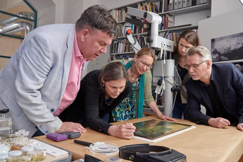 Curatoren Bruegeltentoonstelling in Wenen