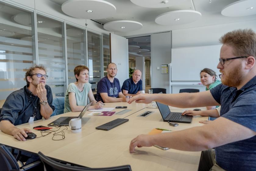 Collega's van het INBO tijdens een vergadering