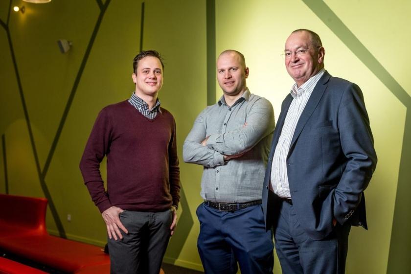 Jeroen Avau, Manu Vanhooydonck  en Pieter Huizinga