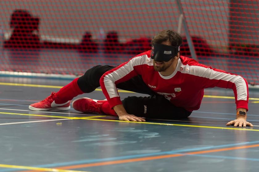 Arne Vanhove tijdens een wedstrijd goalball