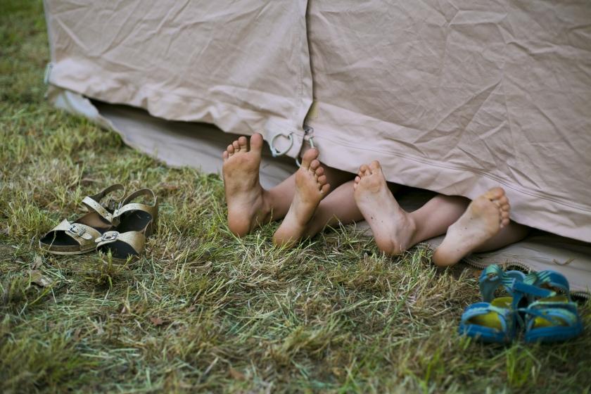 voeten uit een tipitent