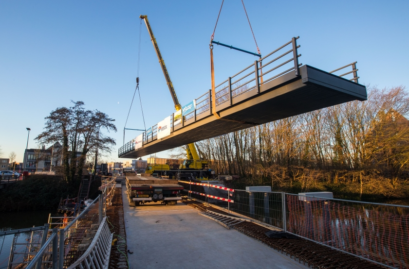 Composietfietsbrug van de Vlaamse Waterweg nv